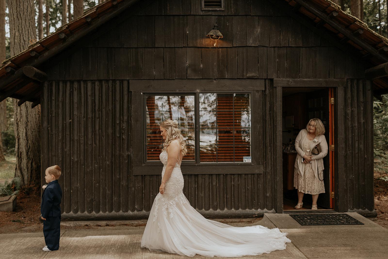 ginapaulson_shannonandbrandonwedding-138.jpg