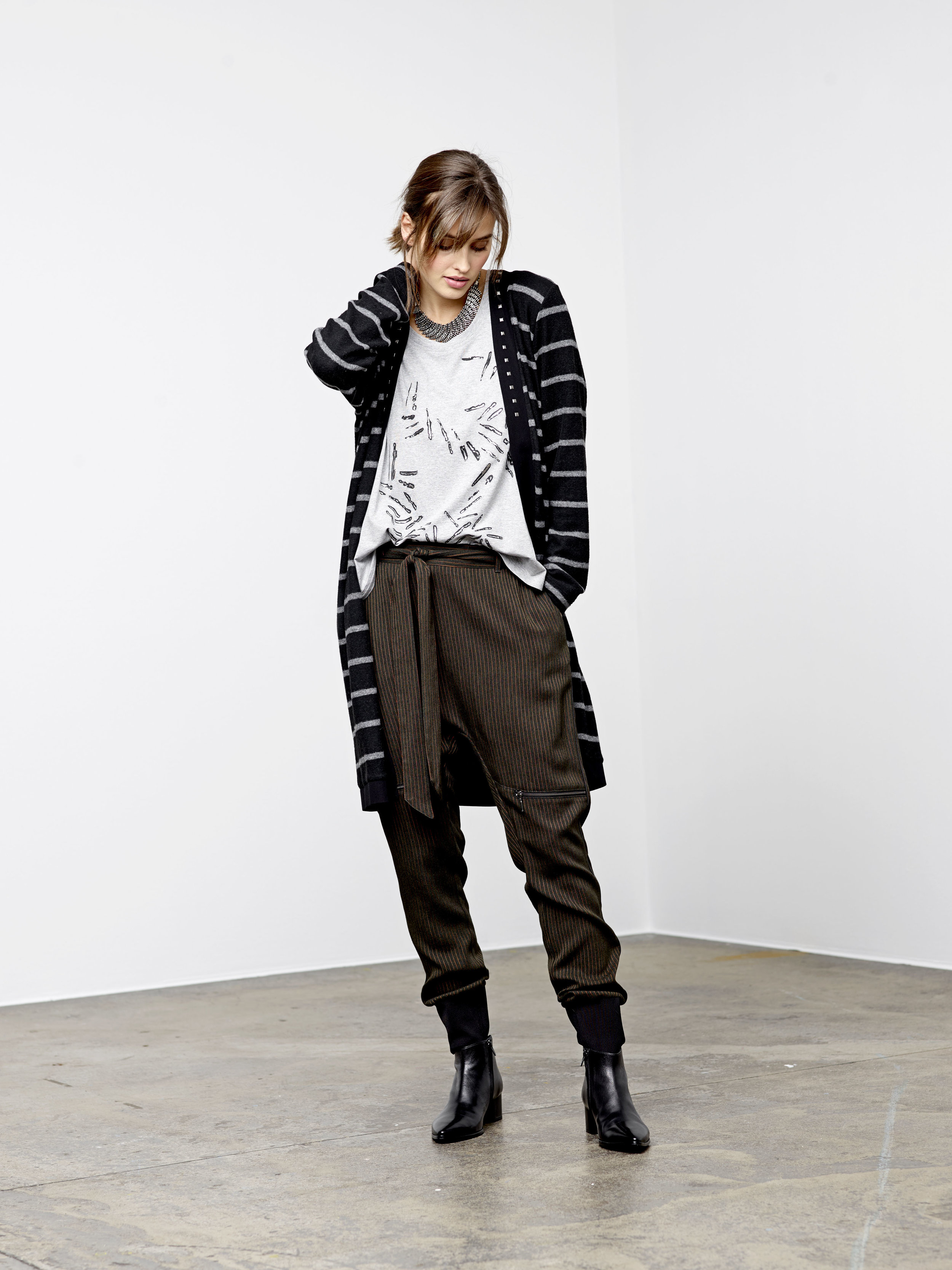 Que  women clothing for fall and winter 2019 collection