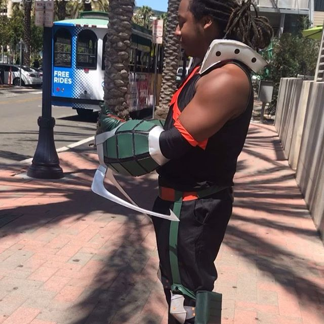 #Bakugou has arrived @comic_con let's hope there aren't any 'accidents' 😏 #bakugoucosplay #myheroacademia #cosplay #comiccon2019 #blackbakugou #blackmyheroacademia #blackmyheroacademiacosplay #blackcosplay #blackcosplayer #explosive #deku #kacchan #ochaco #froopy #eraserhead