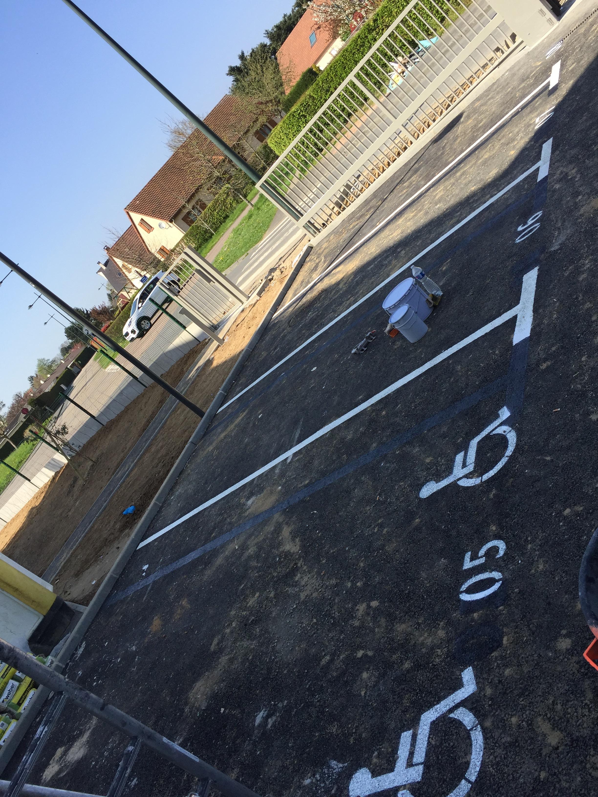 marquage de place de parking PMR handicapé