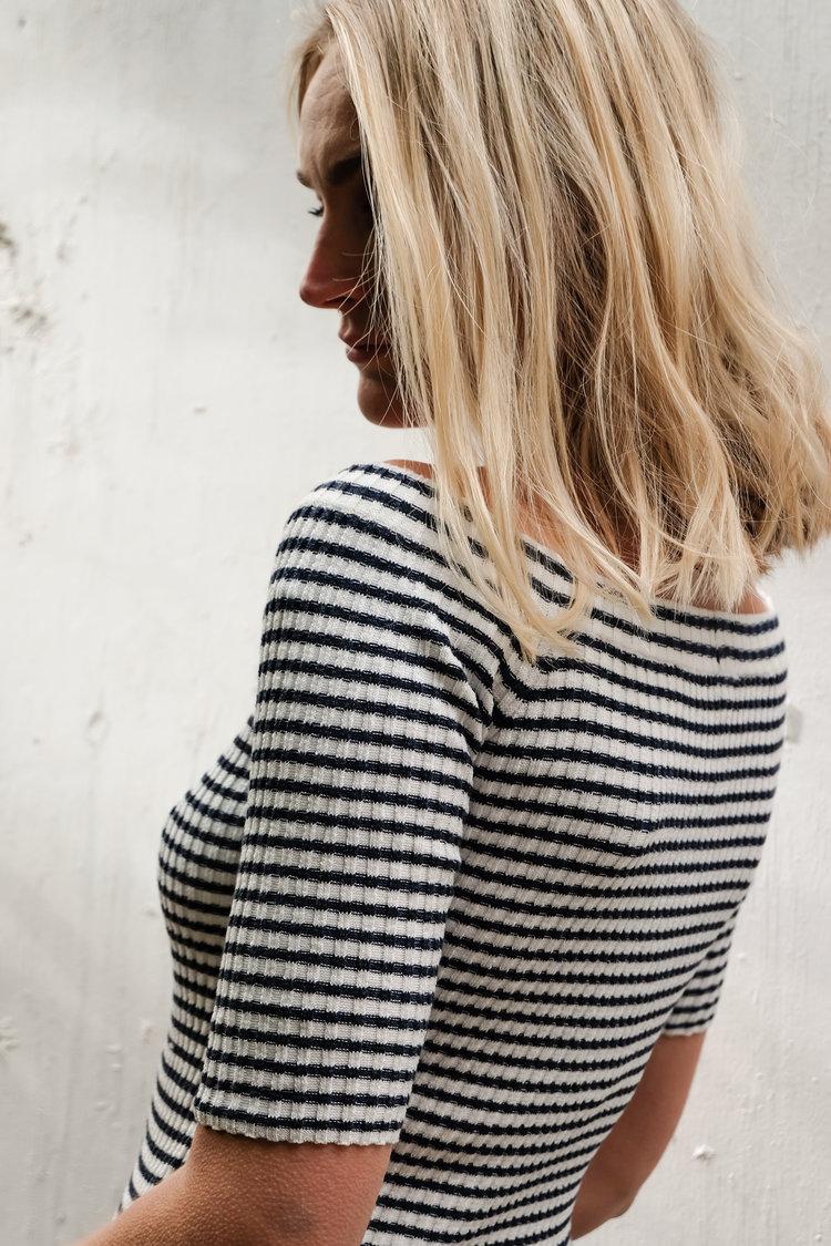 Daisy wears: Maia sweater | Made in Peru | SHOP HERE