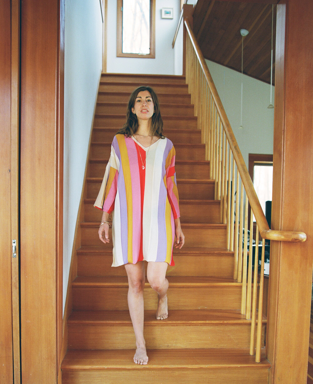 Jana wears the  Keren Tunic  SHOP HERE  (you can wear this tunic with or without a belt)