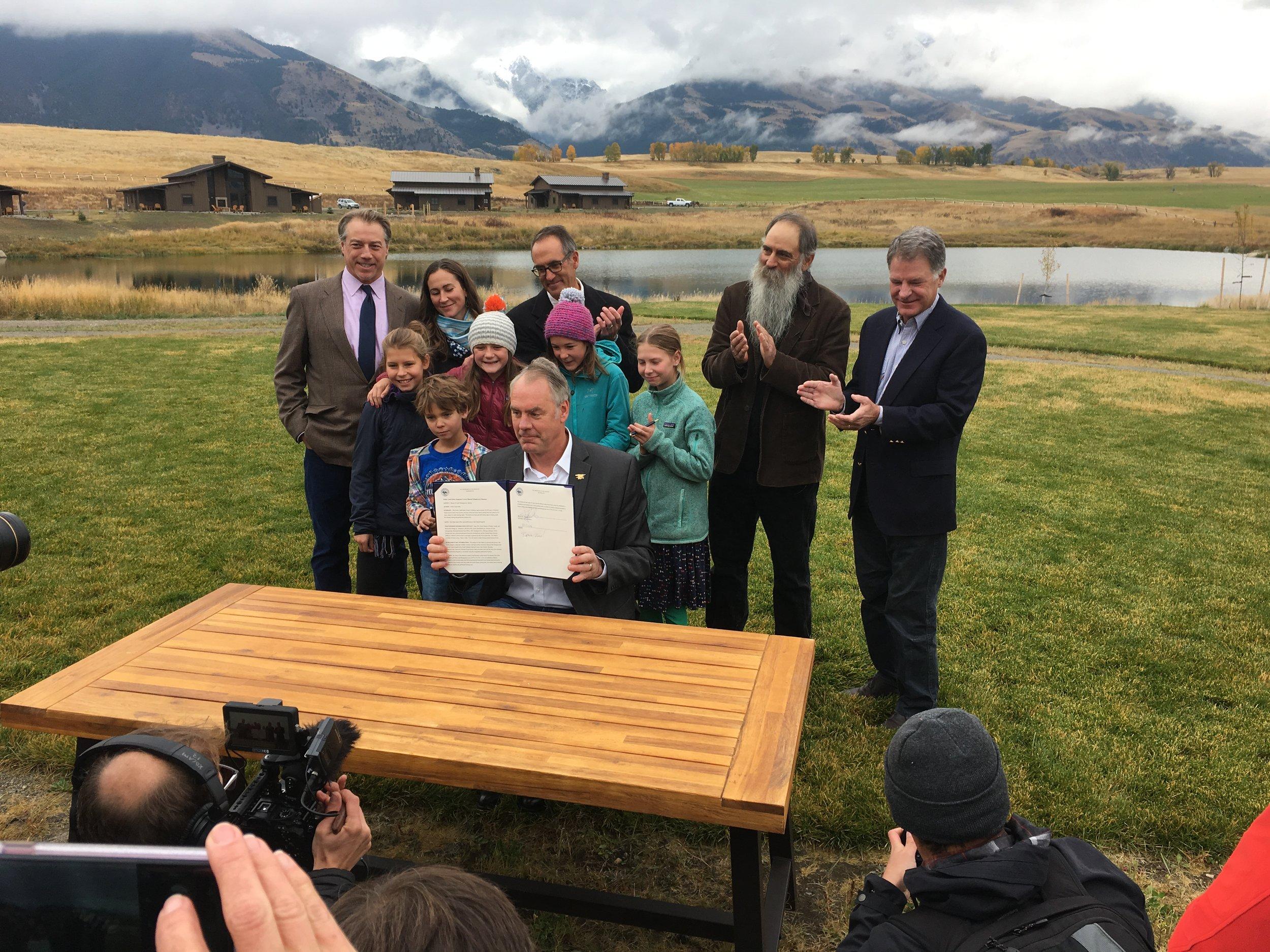 Secretary Zinke signs a 20-year mining timeout for Yellowstone's northern gateway. (Photo GYC.)