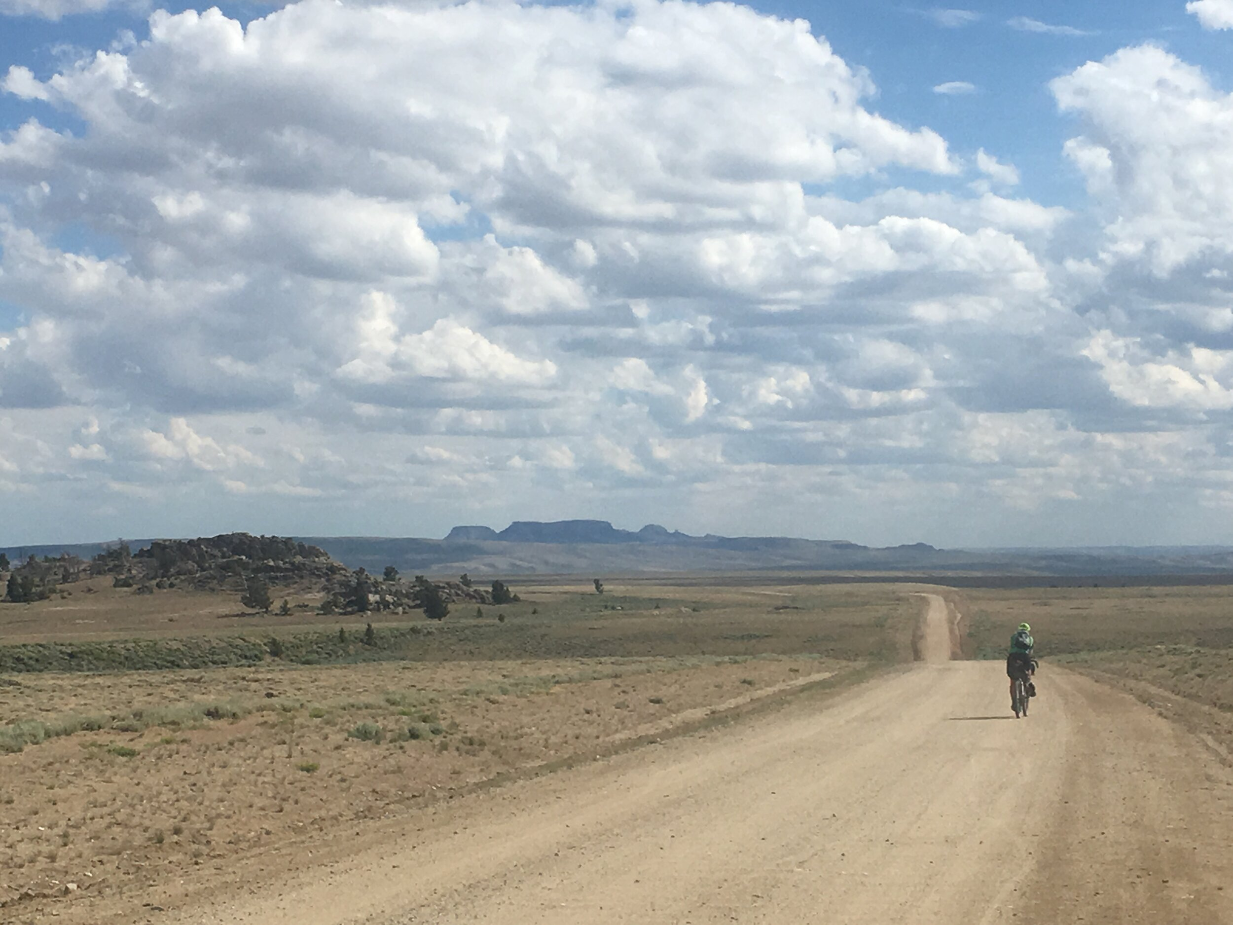 Making miles on the Continental Divide trail on the edge of the Great Divide Basin