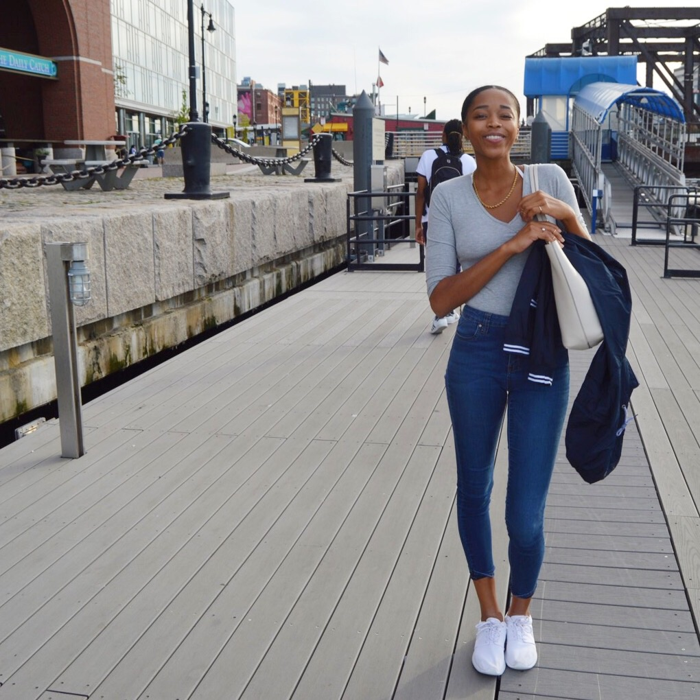 Top // Primark   Jeans // NORDSTROM BP   Sneakers // Nike Roshe