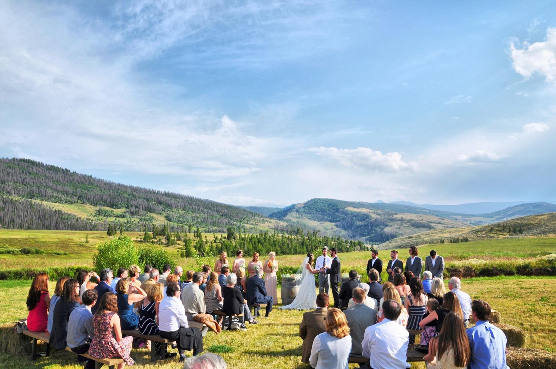 06. Weddings-Colorado-Ceremony_Carly-Carpenter.jpg