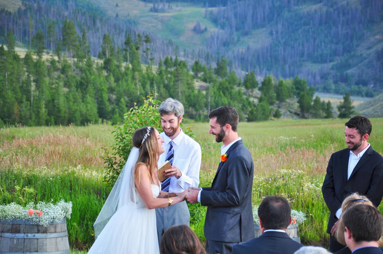 11. Weddings-Ceremony-Laughter_Carly-Carpenter.jpg