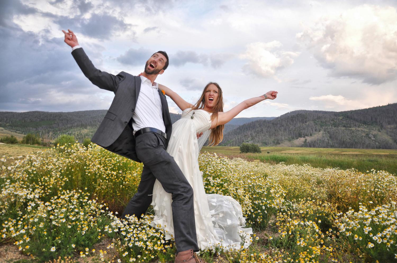 13. Weddings-Bride-Groom-Killin'-It_Carly-Carpenter.jpg