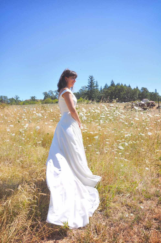 16. Weddings-Bride-Dress_Carly-Carpenter.jpg