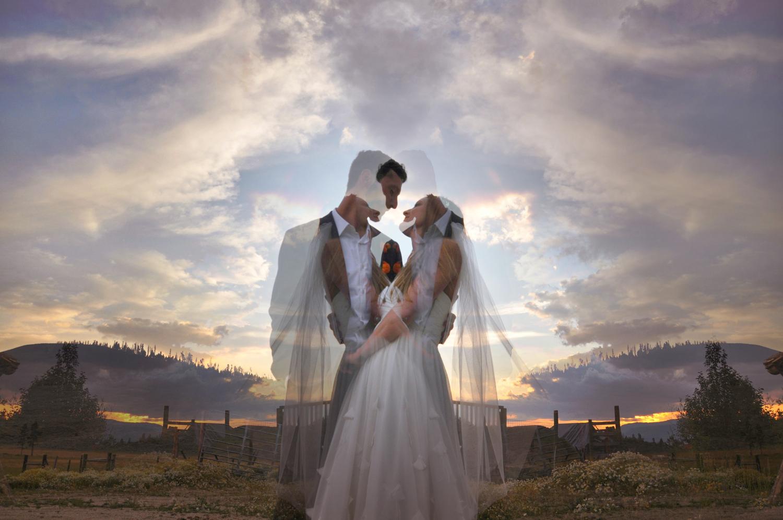 23. Weddings-Bride-Groom-Mirror-Image3_Carly-Carpenter.jpg