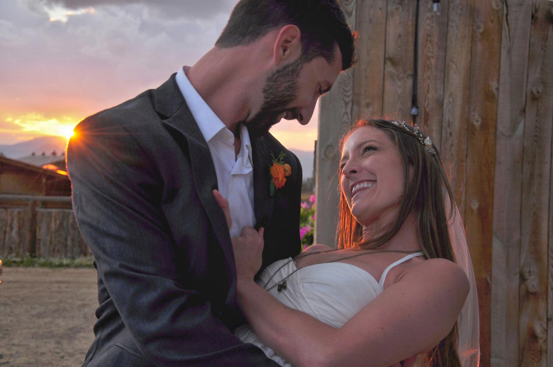 32. Weddings-Bride-Groom-Sunset-Love_Carly-Carpenter.jpg