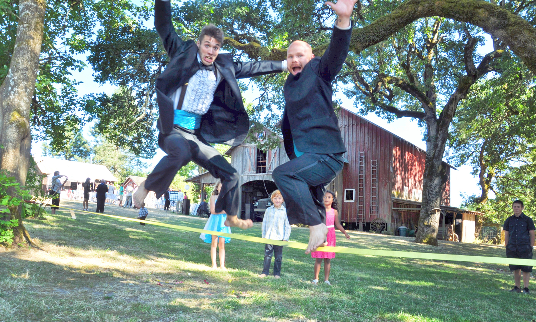 31. Weddings-Groomsmen-Slackline-Jump_Carly-Carpenter.jpg