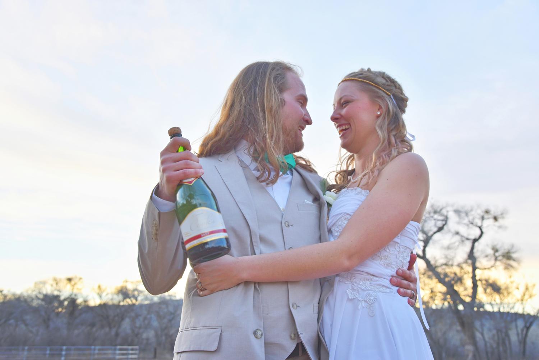 Weddings-Arizona-Bride-Groom-Champagne_Carly-Carpenter.jpg