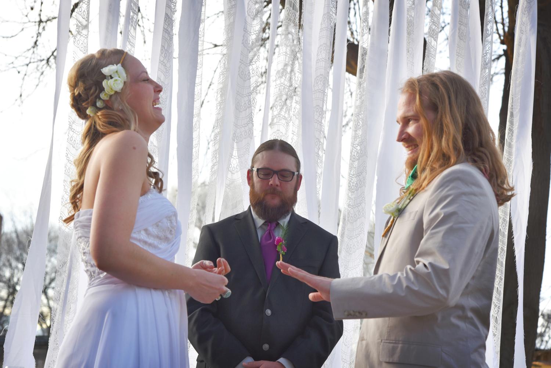 Weddings-Arizona-Bride-Groom-Ceremony-Laugh_Carly-Carpenter.jpg
