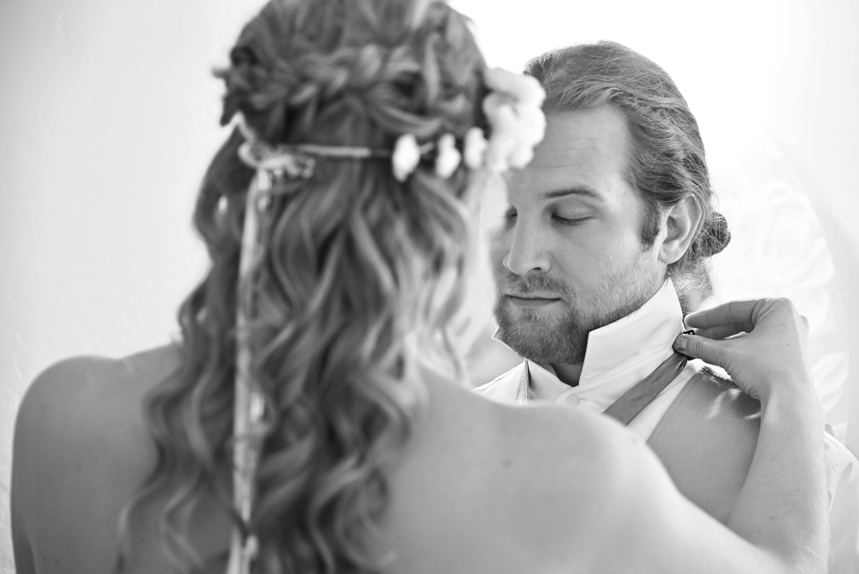 Weddings-Black-White-Bride-Groom_Carly-Carpenter.jpg
