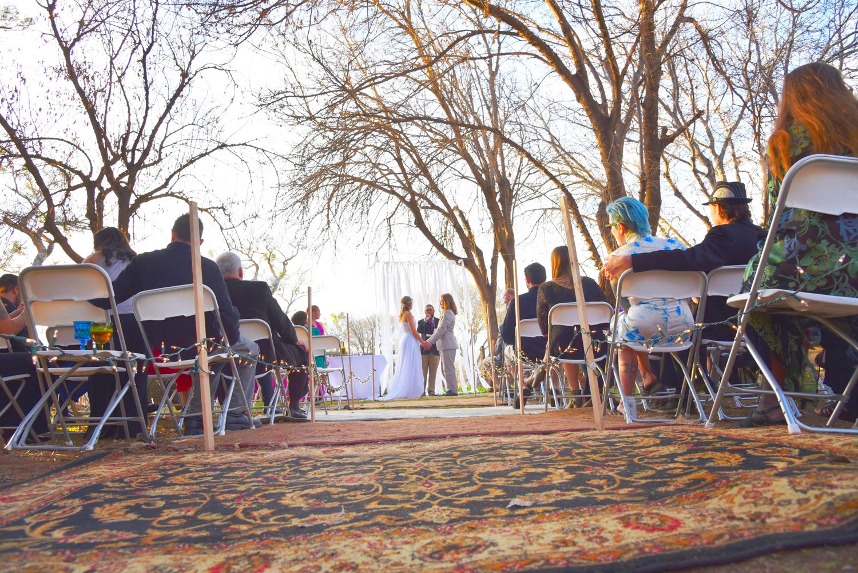 Weddings-Boho-Rugs-Arizona-Bride-Groom-Ceremony_Carly-Carpenter.jpg