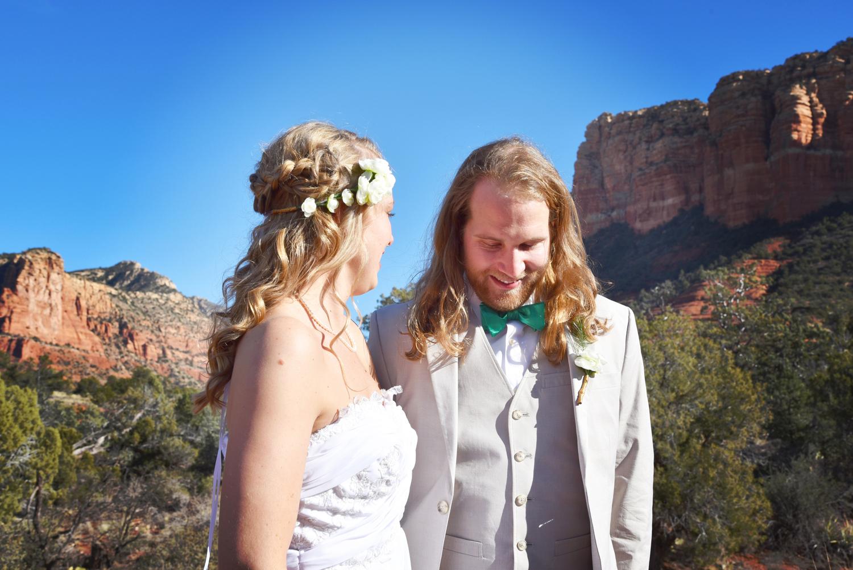 Weddings-Sedona-Wedding-Bell-Rock-Arizona-Bride-Groom_Carly-Carpenter.jpg