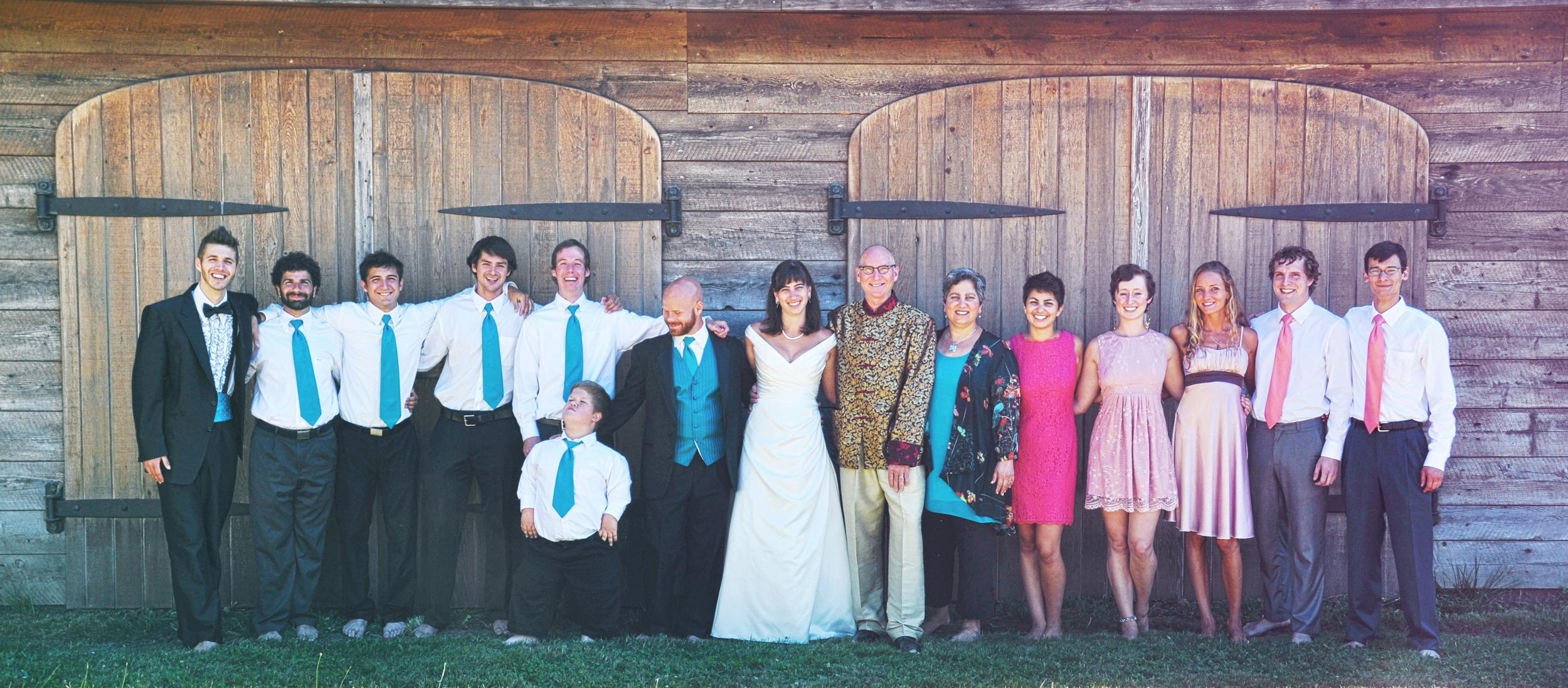 34.-Weddings-Group-Family-Photo_Carly-Carpenter.jpg