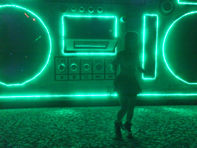 Burning-Man-Black-Rock-City-Green-Jukebox-Art-Car_Carly-Carpenter.jpg