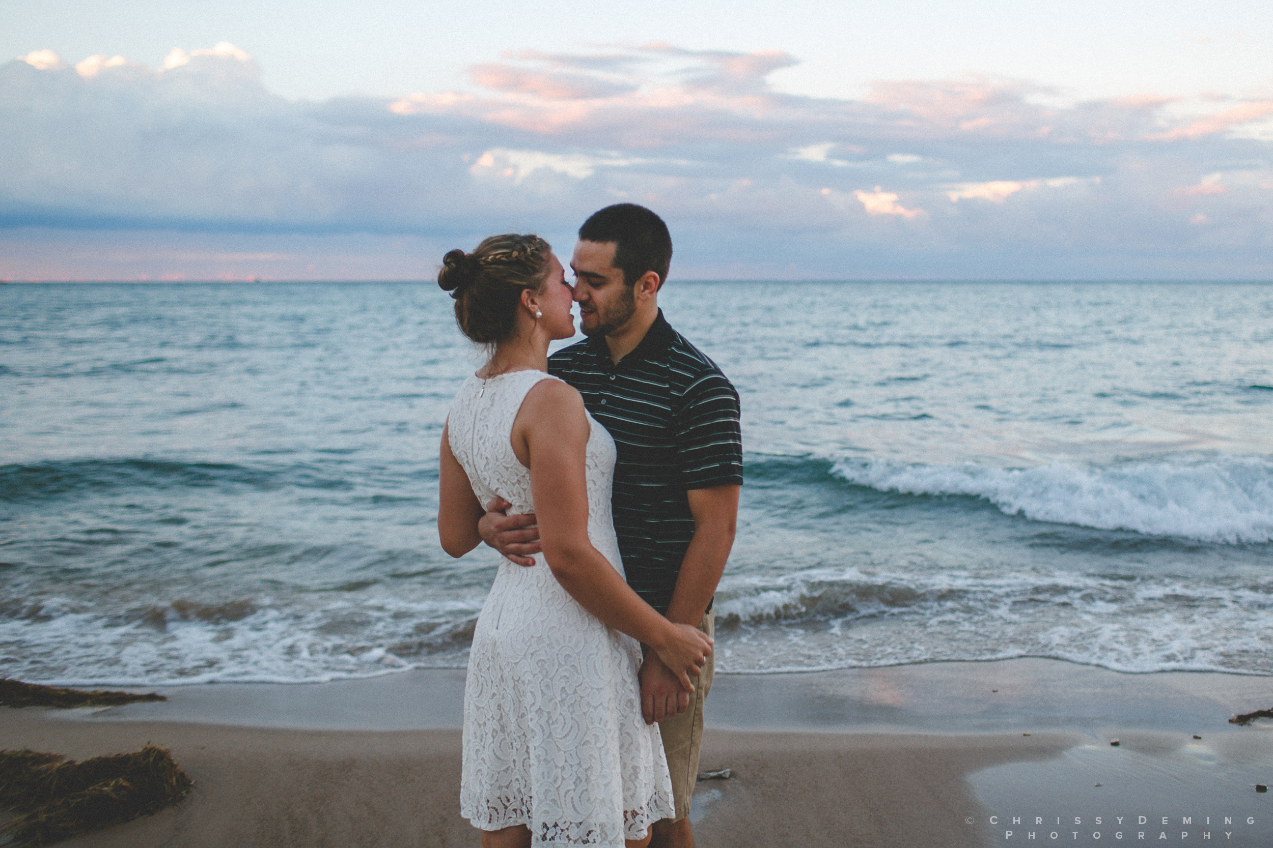 chicago_oakstreetbeach_lincolnpark_engagement_photography_0024.jpg