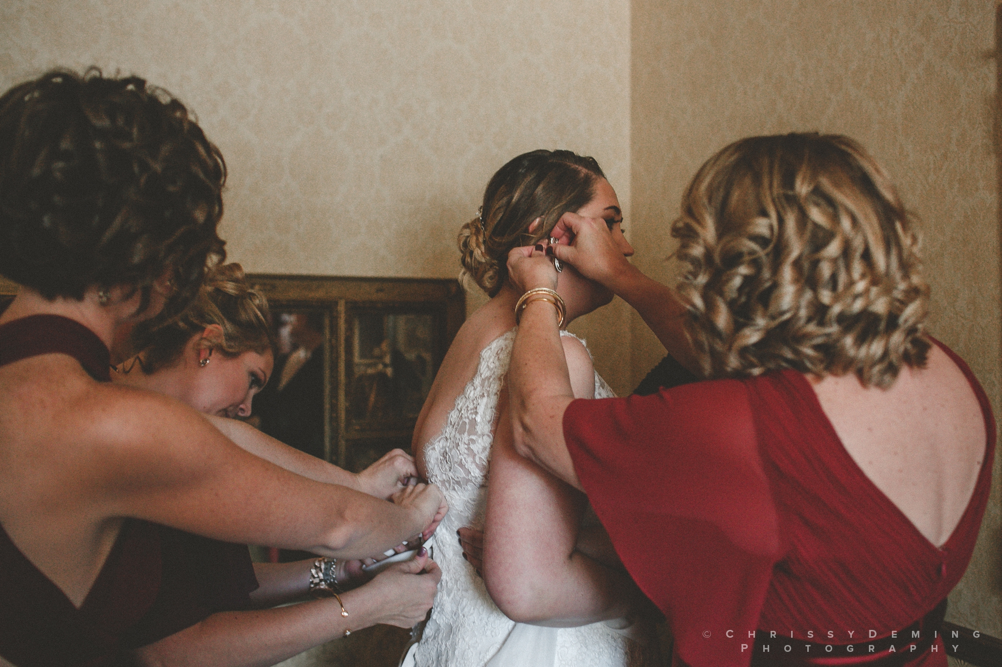 two_brothers_roundhouse_wedding_photography_0014.jpg