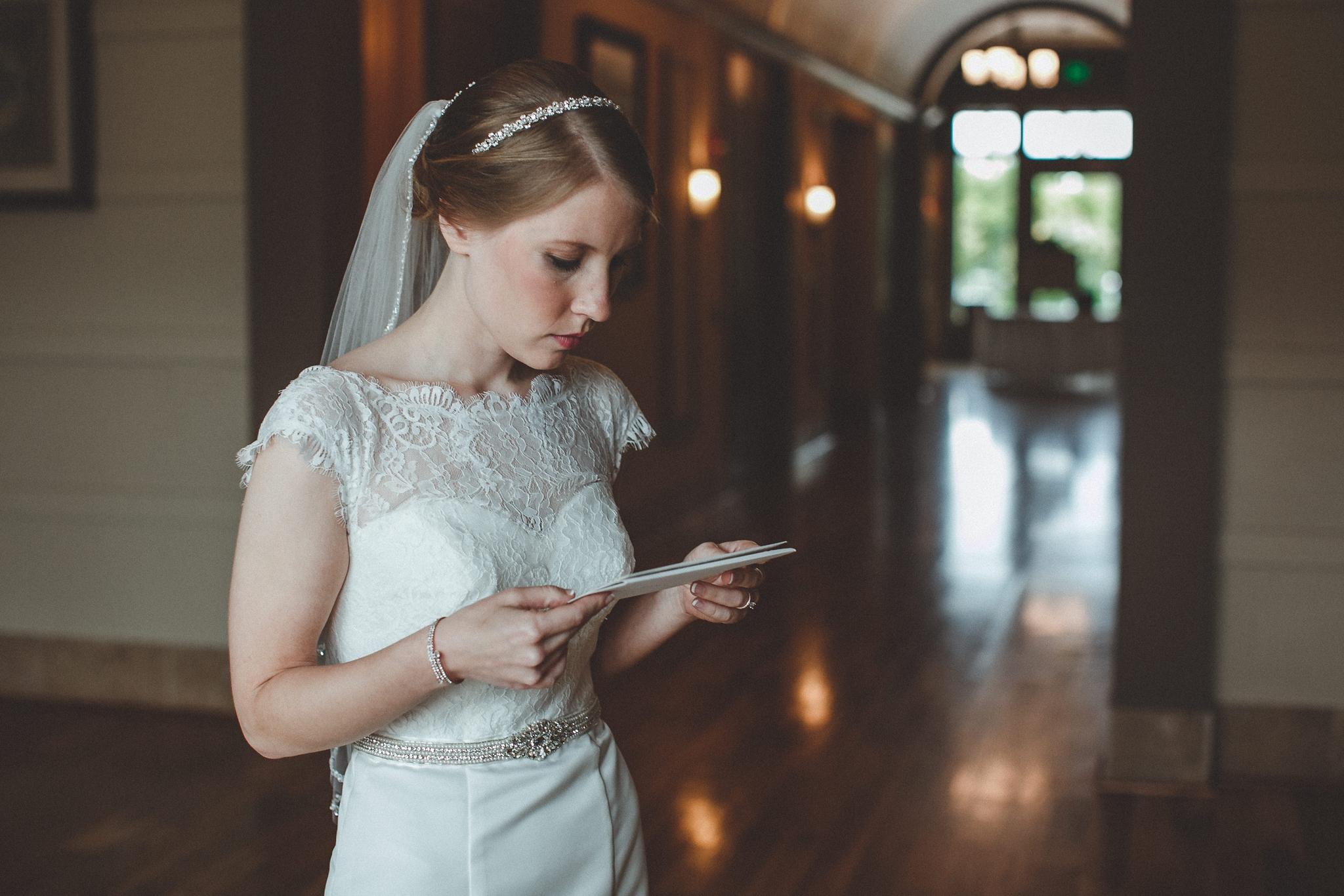 noahs_event_venue_naperville_IL_wedding_photographer_0010.jpg