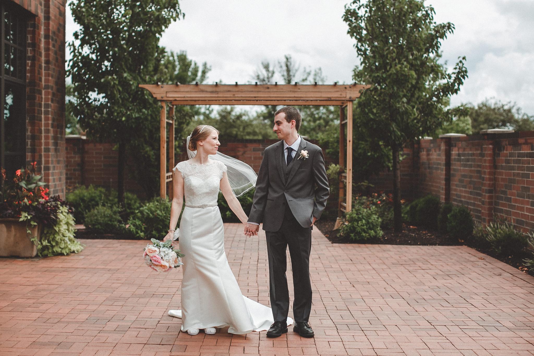 noahs_event_venue_naperville_IL_wedding_photographer_0027.jpg