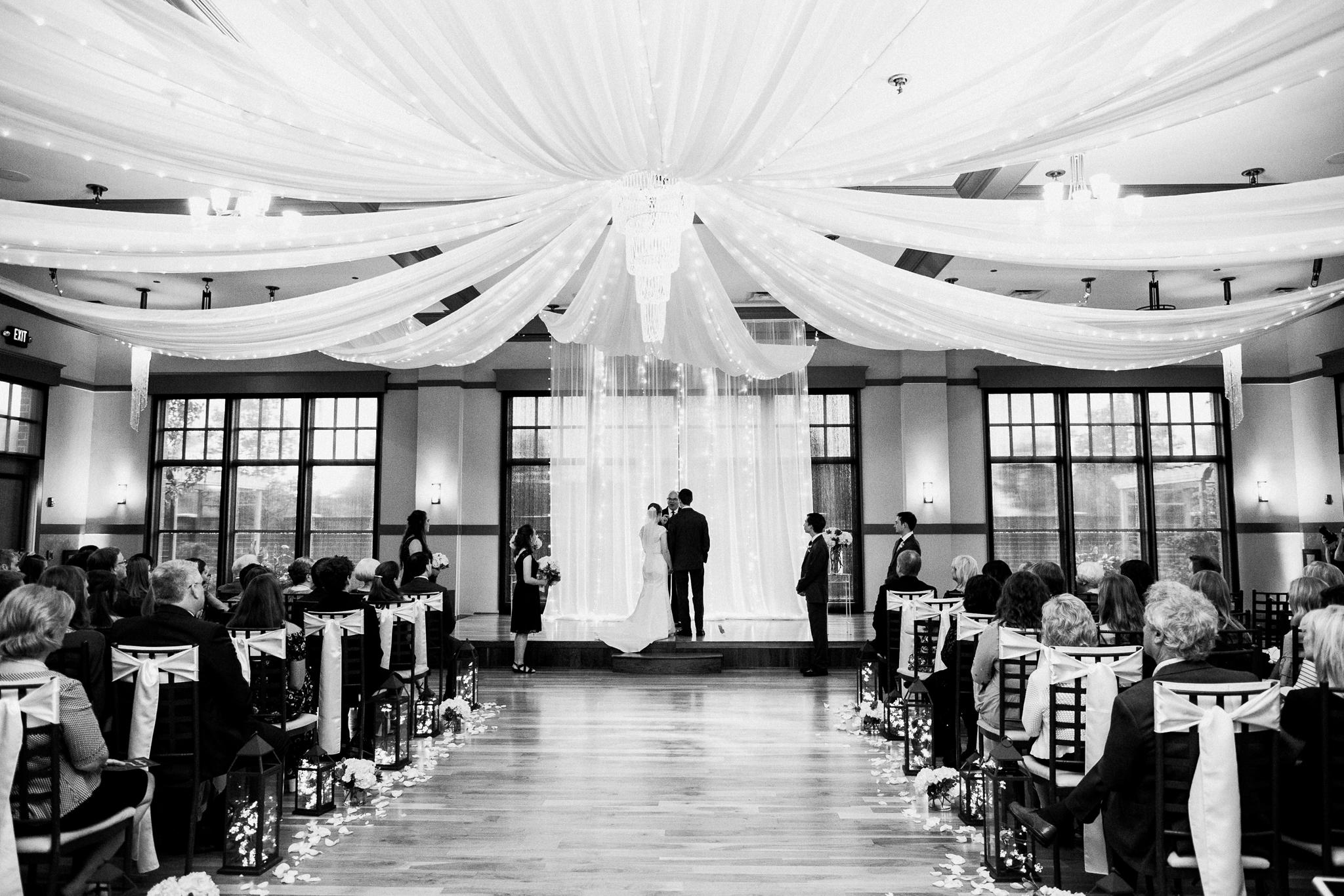 noahs_event_venue_naperville_IL_wedding_photographer_0047.jpg