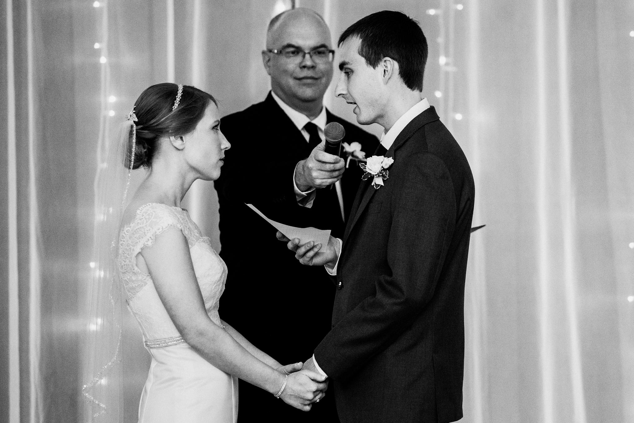 noahs_event_venue_naperville_IL_wedding_photographer_0051.jpg