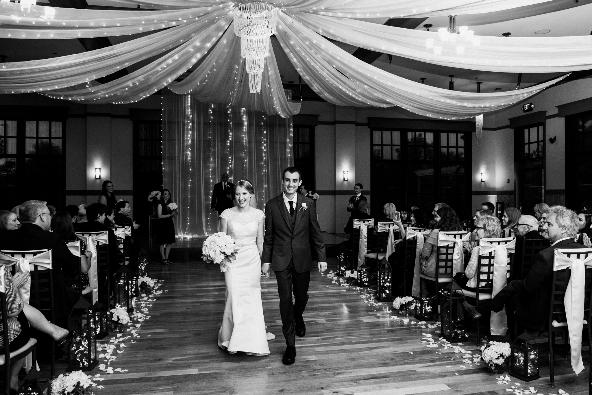 noahs_event_venue_naperville_IL_wedding_photographer_0054.jpg