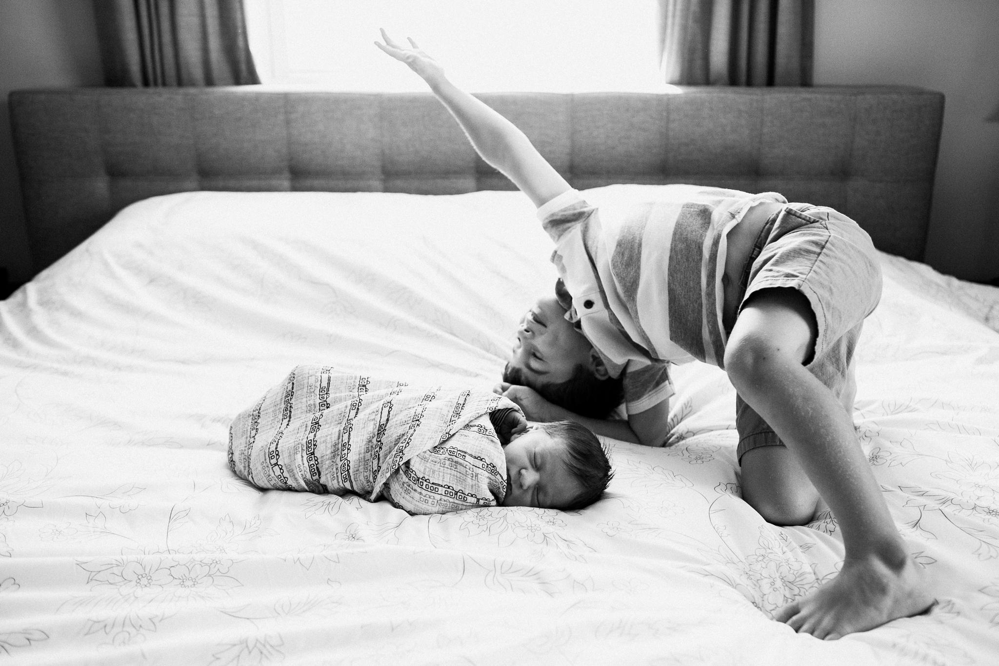 dekalb_il_lifestyle_newborn_photographer_palos_heights_il_0048.jpg
