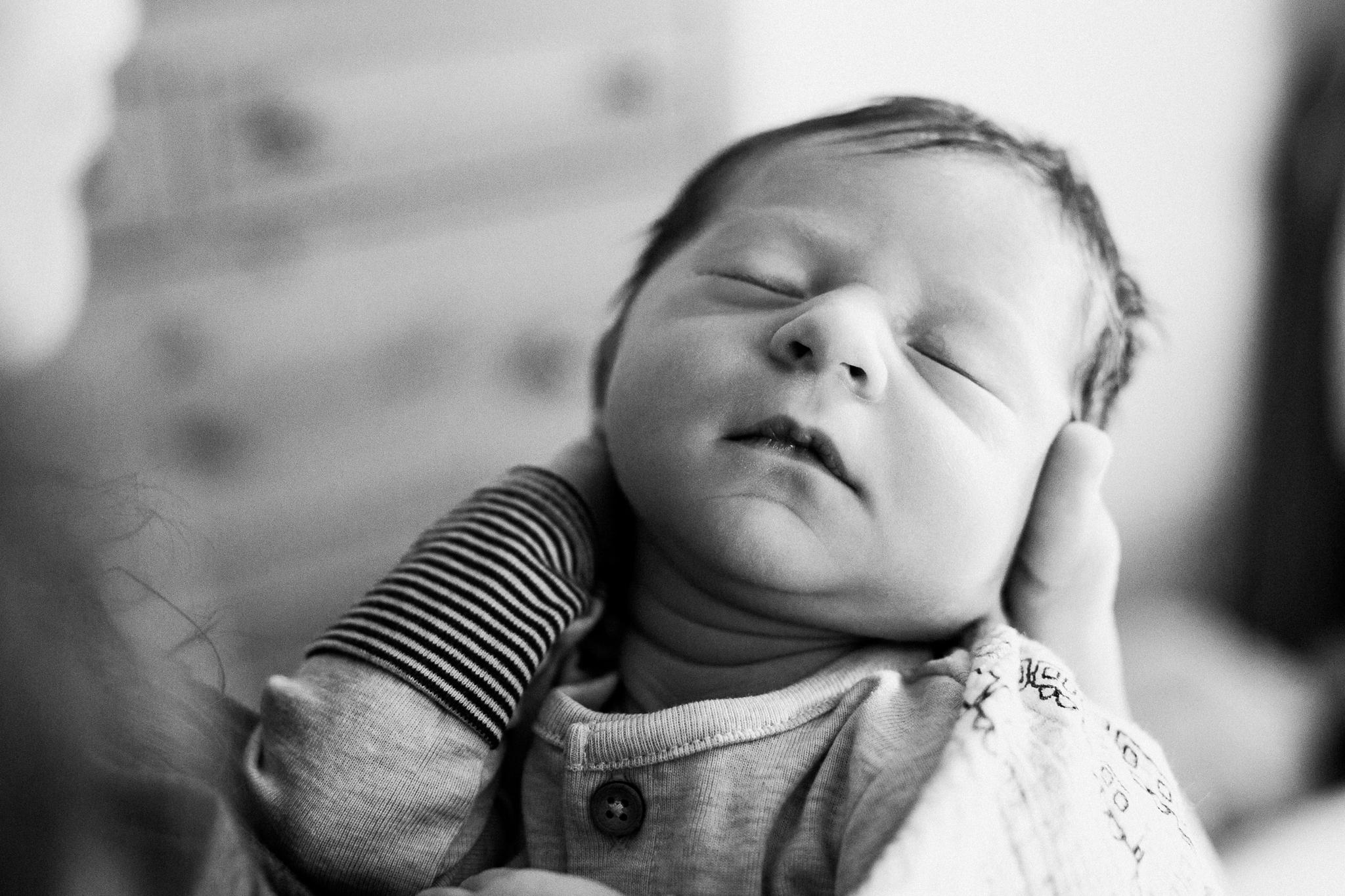 dekalb_il_lifestyle_newborn_photographer_palos_heights_il_0062.jpg