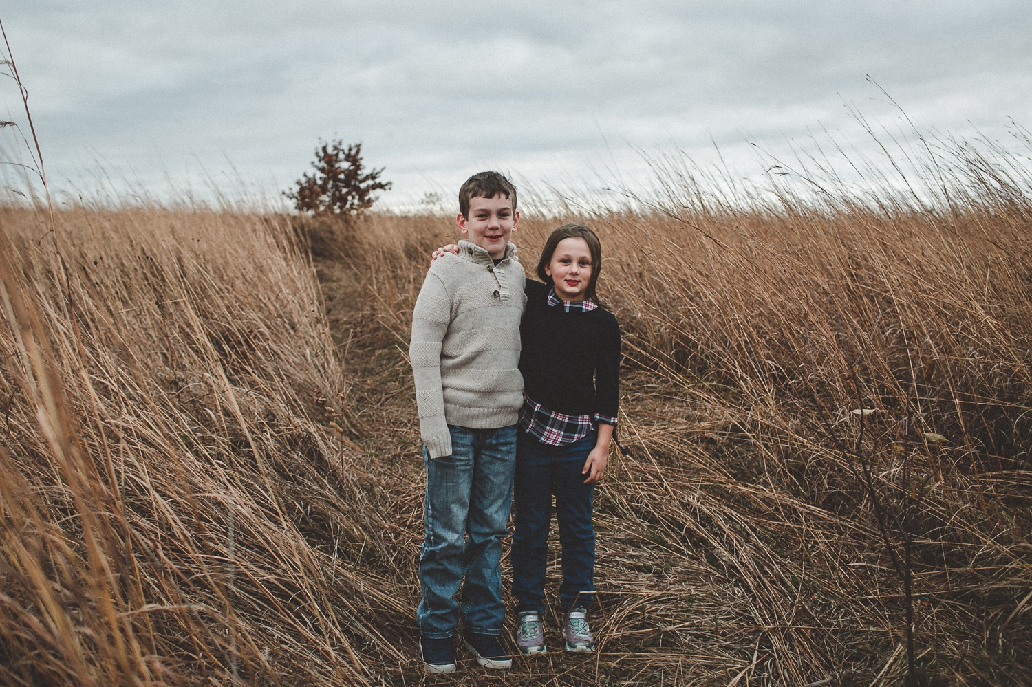 nachusa_grasslands_Franklin_Grove_IL_family_portrait_photographer_0037.jpg