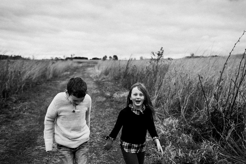 nachusa_grasslands_Franklin_Grove_IL_family_portrait_photographer_0045.jpg
