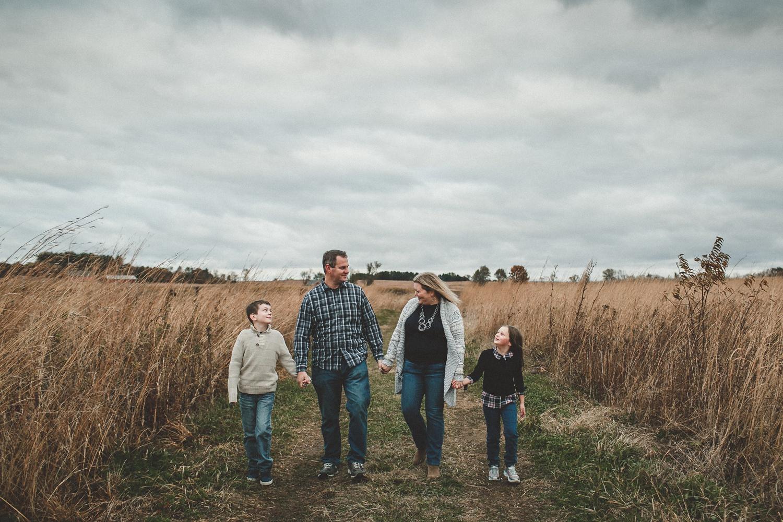 nachusa_grasslands_Franklin_Grove_IL_family_portrait_photographer_0046.jpg