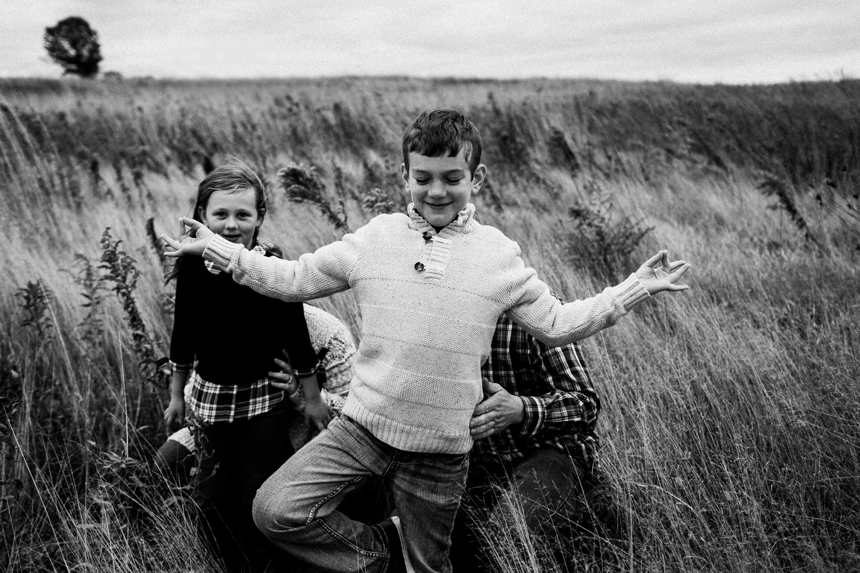 nachusa_grasslands_Franklin_Grove_IL_family_portrait_photographer_0051.jpg