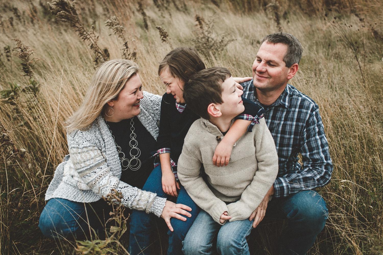 nachusa_grasslands_Franklin_Grove_IL_family_portrait_photographer_0052.jpg