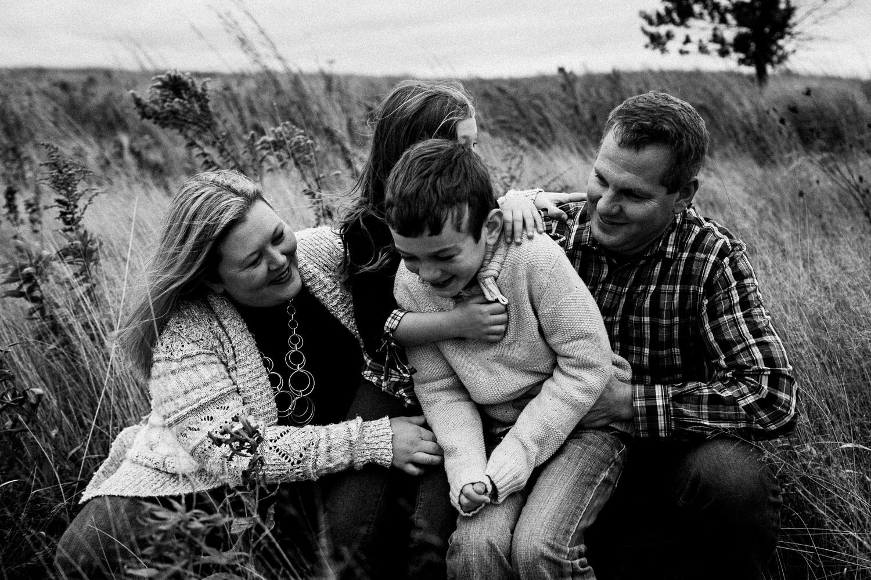 nachusa_grasslands_Franklin_Grove_IL_family_portrait_photographer_0053.jpg