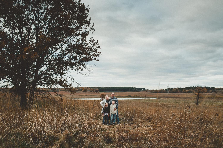 nachusa_grasslands_Franklin_Grove_IL_family_portrait_photographer_0017.jpg
