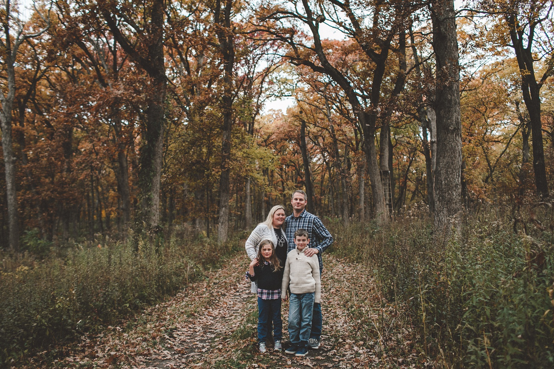 nachusa_grasslands_Franklin_Grove_IL_family_portrait_photographer_0025.jpg