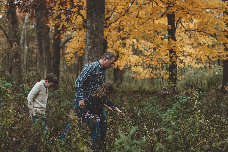 nachusa_grasslands_Franklin_Grove_IL_family_portrait_photographer_0031.jpg