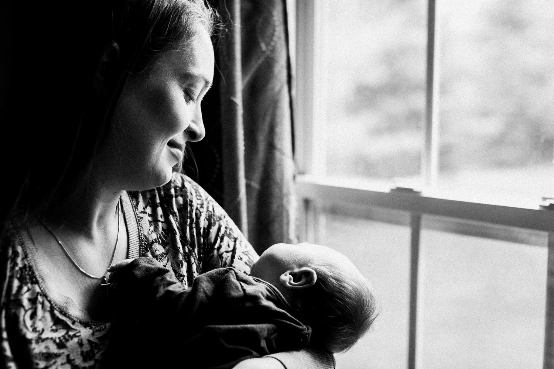 dekalb_IL_inhome_newborn_photographer_0002.jpg
