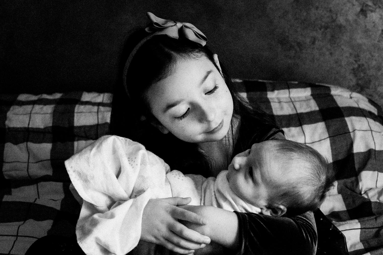 dekalb_IL_inhome_newborn_photographer_0012.jpg