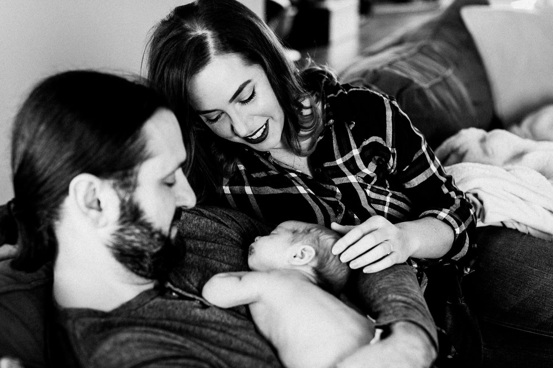 dekalb_sycamore_IL_inhome_newborn_family_photographer_0006.jpg