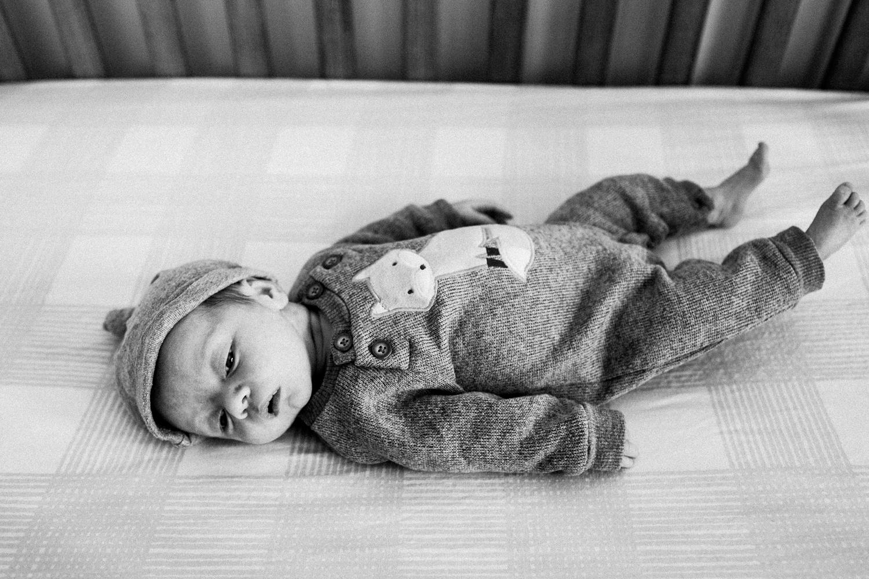 dekalb_sycamore_IL_inhome_newborn_family_photographer_0018.jpg