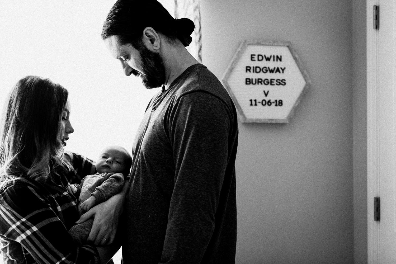 dekalb_sycamore_IL_inhome_newborn_family_photographer_0030.jpg
