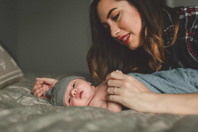 dekalb_sycamore_IL_inhome_newborn_family_photographer_0039.jpg
