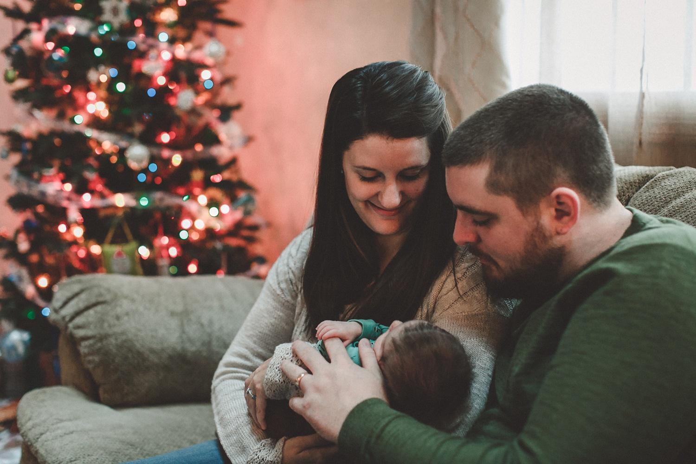 dekalb_sycamore_IL_inhome_newborn_family_photographer_0003.jpg