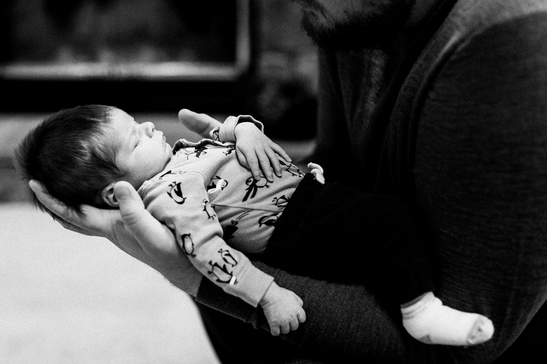 dekalb_sycamore_IL_inhome_newborn_family_photographer_0014.jpg