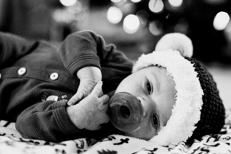 dekalb_sycamore_IL_inhome_newborn_family_photographer_0019.jpg